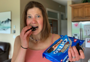 Read more about the article Stop Trying to 'FIX' Your Emotional Eating